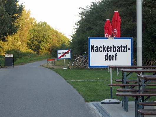 Nackerbatzldorf oder das kleinste Dorf Österreichs