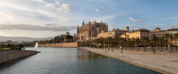foto,photo,fotografie,photography,bilder,pictures,reisen,travel,sightseeing,ferien, holidays,Besichtigung,Kathedrale La Seu Palma de Mallorca,Mallorca,Balearic Islands, Spain,(Canon_G5X_IMG_1733-Pano)