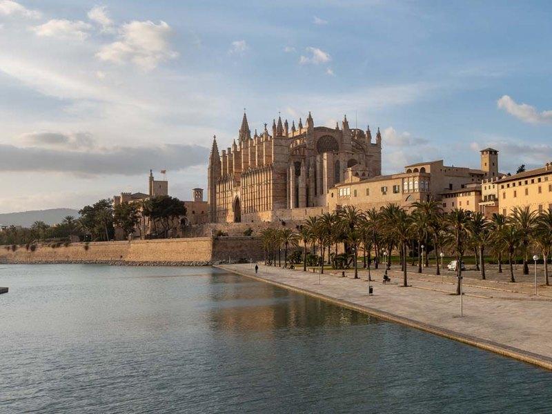 foto,photo,fotografie,photography,bilder,pictures,reisen,travel,sightseeing,ferien, holidays,Besichtigung,Kathedrale La Seu Palma de Mallorca,Mallorca,Balearic Islands, Spain,(Canon_G5X_IMG_1733-Pano)